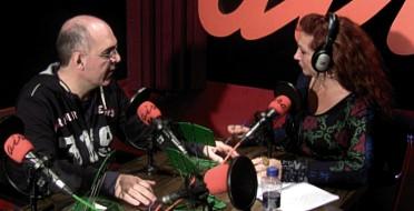 Entrevista en programa de radio La Caja Roja